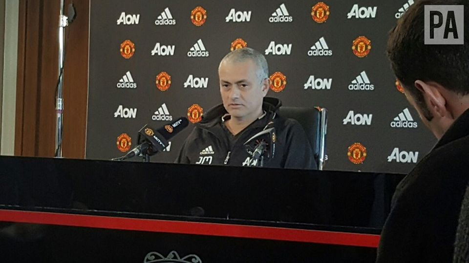 Mourinho Shows Off New Haircut And Jokes With Key Reporter Local