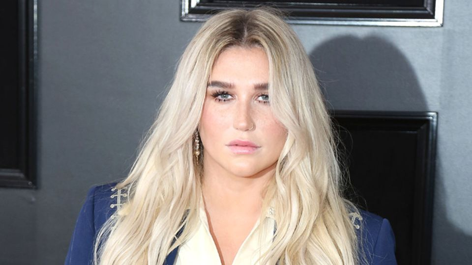 Kesha Preparing Comeback with 2016 Tour Dates: Tickets Now On Sale | Zumic  | Music News, Tour Dates, Ticket Presale Info, and More
