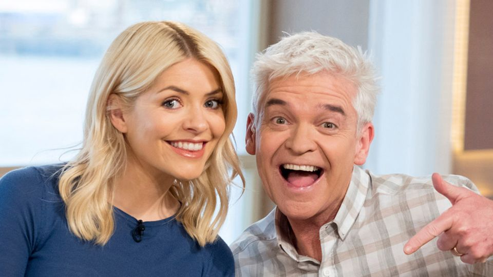 2949fe1137 WATCH  This Morning presenters Phillip Schofield and Holly ...
