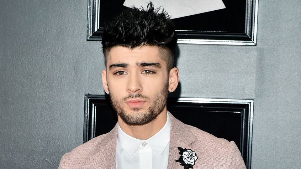 Fans Are Convinced Zayn Malik S Striking New Hair Colour Means
