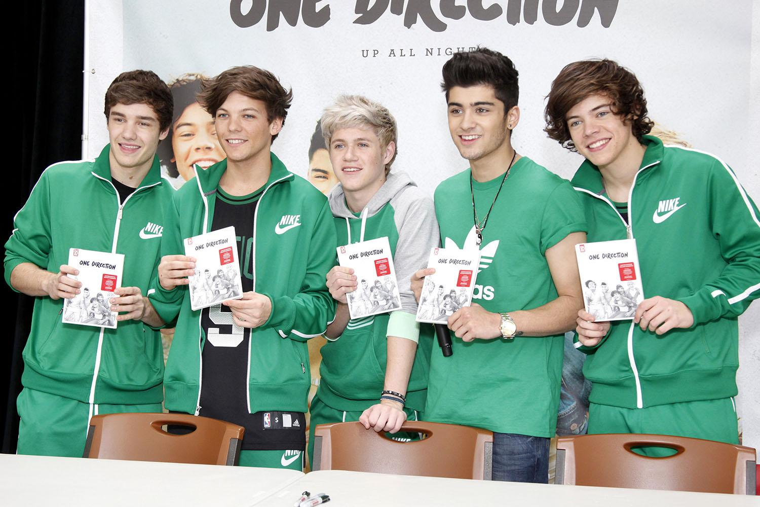 One direction and dating fan service